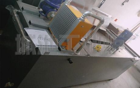 实验用移动式小型自动淬火油槽出厂前检查